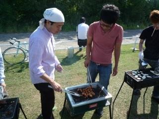 肉を焼く人_3.JPG